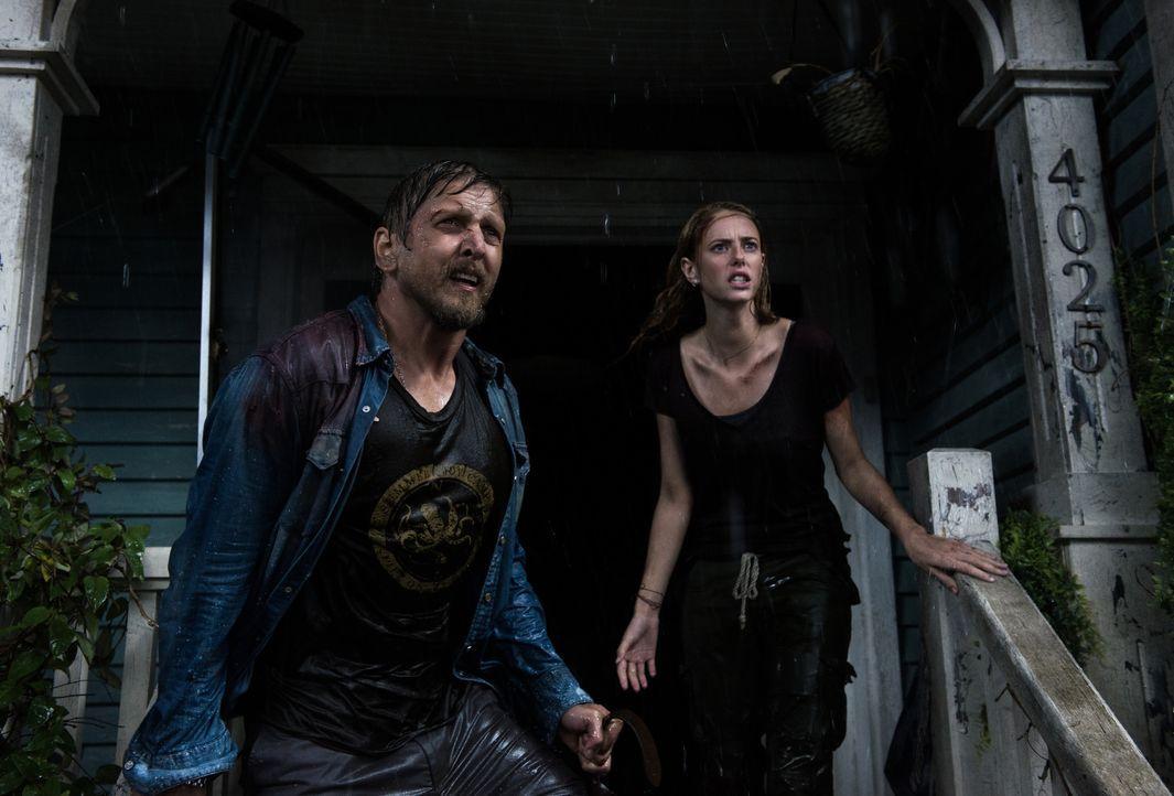 Dave (Barry Pepper, l.); Haley (Kaya Scodelario, r.) - Bildquelle: Sergej Radovic 2021 Paramount Pictures. All Rights Reserved. / Sergej Radovic