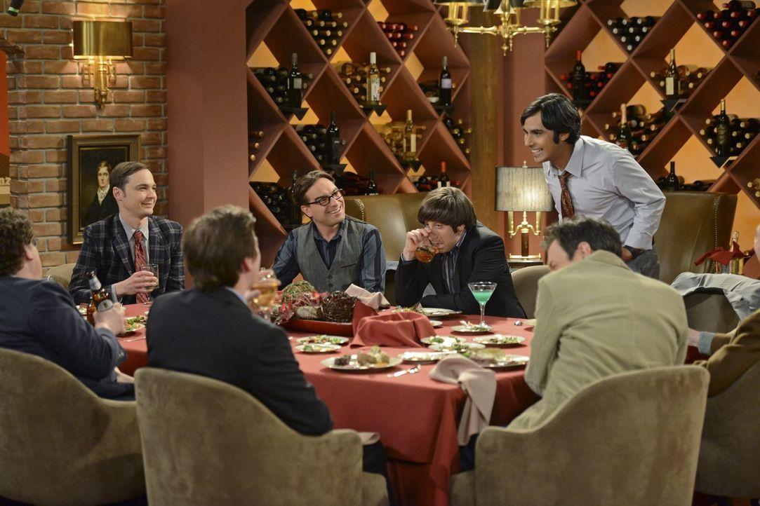 Ein ganz besonderer Junggesellenabschied: Sheldon (Jim Parsons, 2.v.l.), Leonard (Johnny Galecki, M.), Howard (Simon Helberg, 3.v.r.) und Raj (Kunal... - Bildquelle: Warner Bros. Television