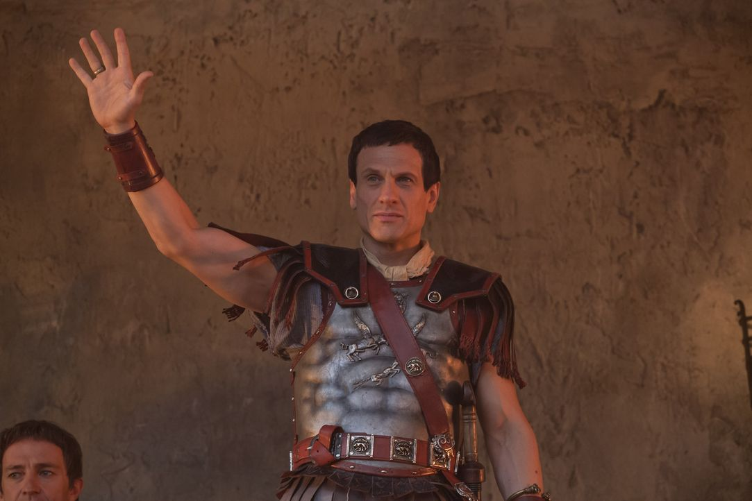 Skrupellos, ehrgeizig, mutig und ein ausgeklügelter Stratege: Crassus (Simon Merrells) bereitet Spartacus echte Probleme ... - Bildquelle: 2012 Starz Entertainment, LLC. All rights reserved.