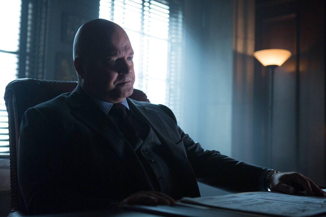 Möchte in Gotham für Recht und Ordnung sorgen: Barnes (Michael Chiklis) ... - Bildquelle: Warner Brothers