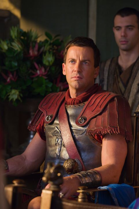 Nutzt den Brand in der Arena, um seinen Schwiegervater umzubringen und dies dann Spartacus in die Schuhe zu schieben: Gaius Glaber (Craig Parker) ... - Bildquelle: 2011 Starz Entertainment, LLC. All rights reserved.