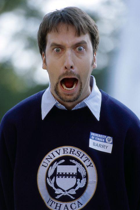 Der durchgeknallte und sensationslüsterne Barry Manilow (Tom Green) ist Dauerstudent an der Universität von Ithaca. Er studiert seit acht Jahren -... - Bildquelle: TM &   DREAMWORKS L.L.C.