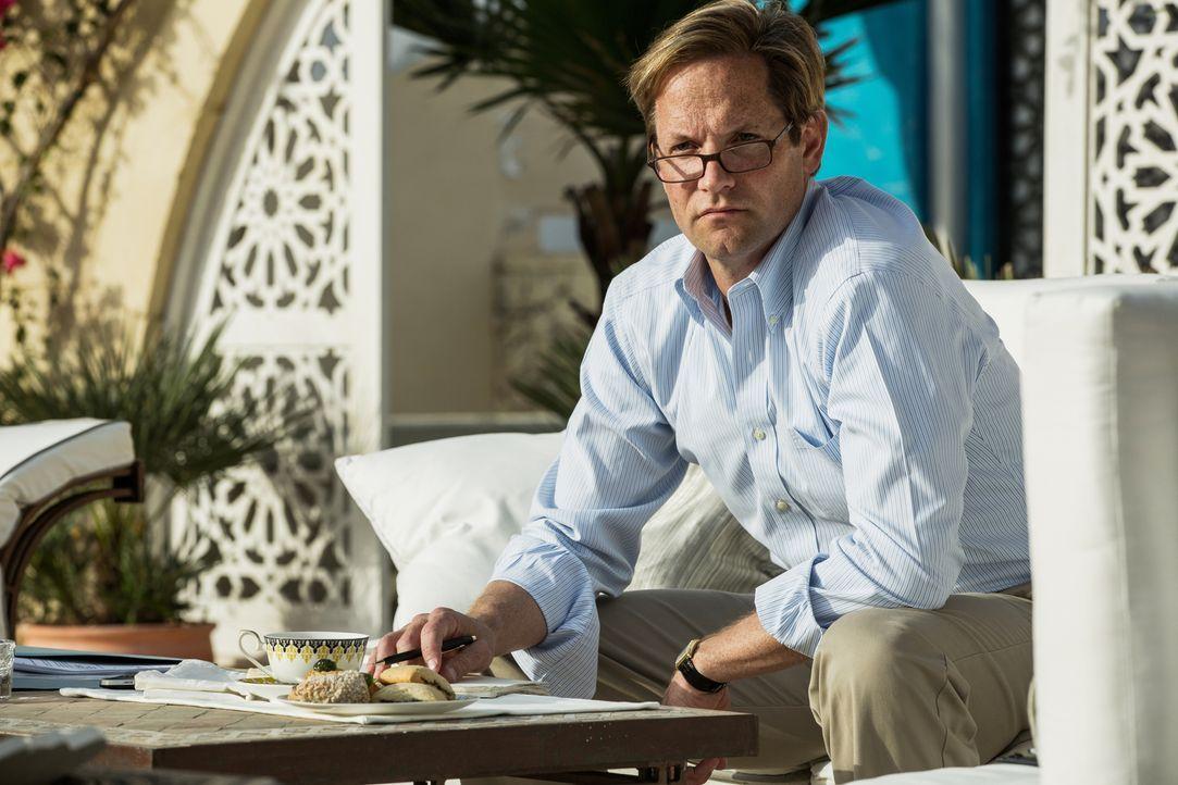 Der Besuch des US-Botschafters J. Christopher Stevens (Matt Letscher) 2012 in dem durch den Bürgerkrieg instabilem Libyen verläuft anders, als gehof... - Bildquelle: 2016 Paramount Pictures. All Rights Reserved.