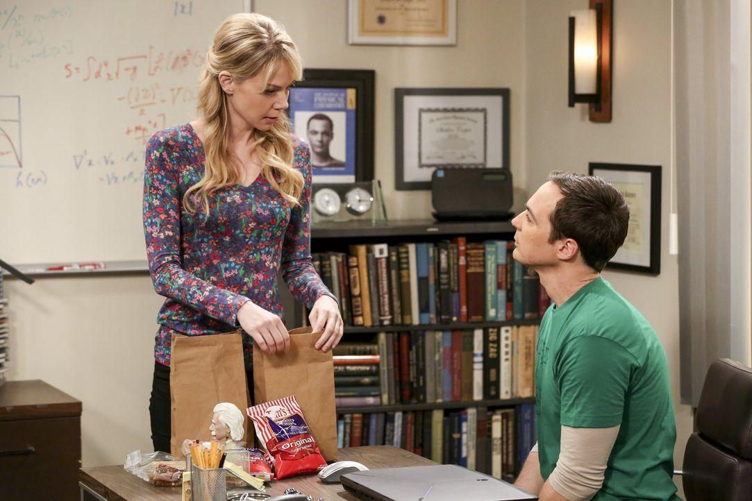 Während Amy in Princeton ist, wird ihre Beziehung zu Sheldon (Jim Parsons, r.) auf die Probe gestellt, da plötzlich seine ehemalige Verehrerin Ramon... - Bildquelle: 2016 Warner Brothers