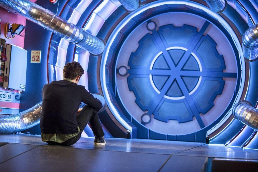Die jüngsten Ereignisse treiben Barry (Grant Gustin) an den Rand der Verzweiflung ... - Bildquelle: Warner Brothers.