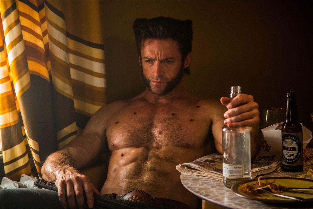 Logan (Hugh Jackman) wird von Shadowcat zurück in die 1970er versetzt, wo er mithilfe der nun noch jungen X-Men einen Wissenschaftler aufhalten soll... - Bildquelle: Alan Markfield 2013 Twentieth Century Fox Film Corporation.  All rights reserved.  Not for sale or duplication.