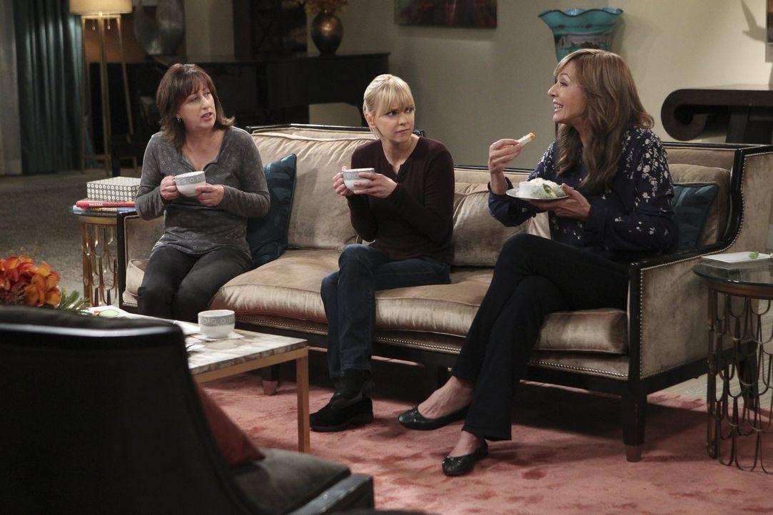 Auf Wendy (Beth Hall, l.), Christy (Anna Faris, M.) und Bonnie (Allison Janney, r.) warten gleich mehrere Überraschungen ... - Bildquelle: 2017 Warner Bros.
