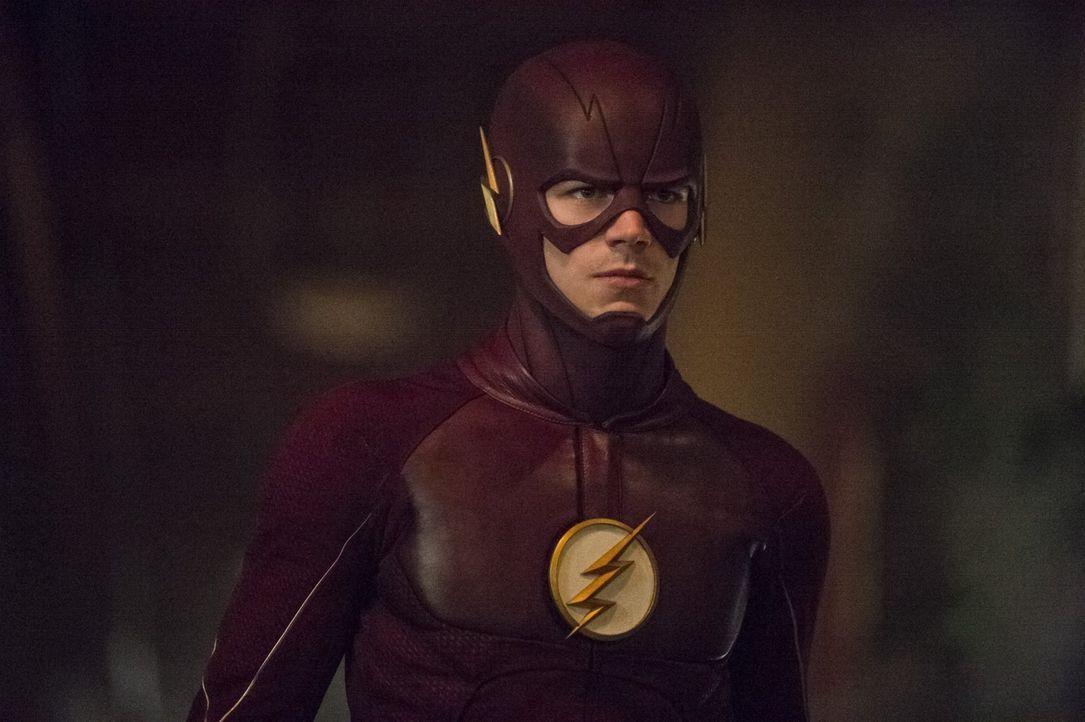 Barrys alias The Flash (Grant Gustin) Misstrauen dem Neuen gegenüber ist riesig. Gelingt es Jay trotzdem ihm zu beweisen, dass er nicht sein Feind i... - Bildquelle: 2015 Warner Brothers.