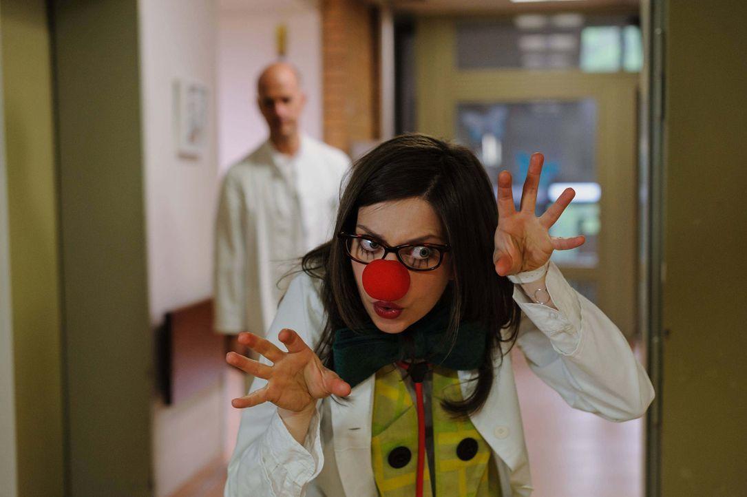 Auch Dr. Stettin (Claudia Eisinger) ist nicht diejenige, für die sich ausgibt ... - Bildquelle: Stefan Erhard ProSieben