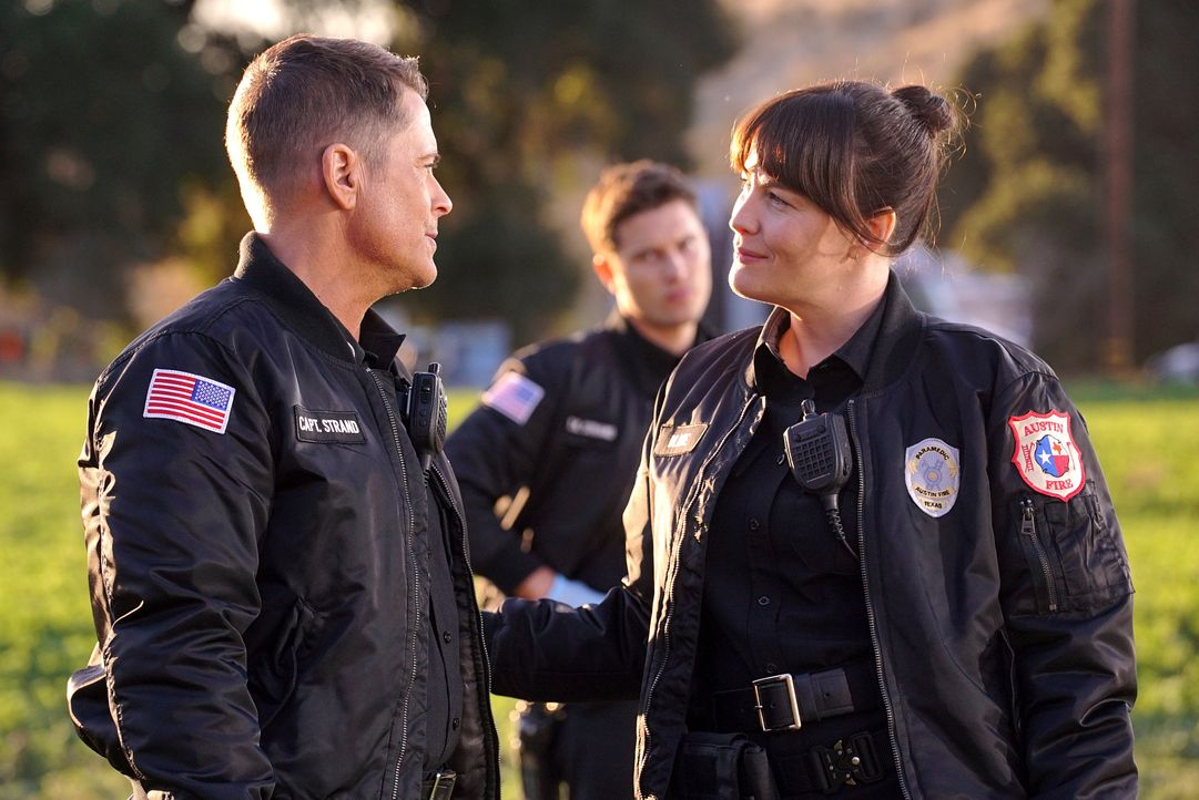 Owen Strand (Rob Lowe, l.); Michelle Blake (Liv Tyler, r.) - Bildquelle: Kevin Estrada 2020 Twentieth Century Fox Film Corporation.  All rights reserved. / Kevin Estrada
