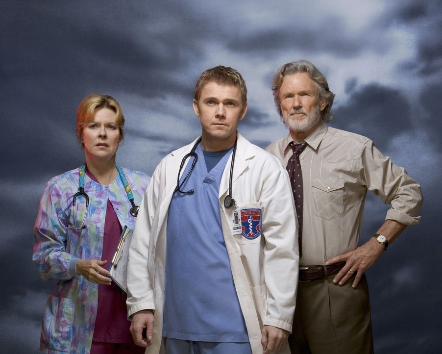 Müssen 14 Stunden lang durchhalten: Chuck Whortle (Kris Kristofferson, r.), Jeanette Makins (JoBeth Williams, l.) und Dr. Foster (Rick Schroder, M.)... - Bildquelle: MMV Paramount Pictures Corporation. All Rights Reserved.