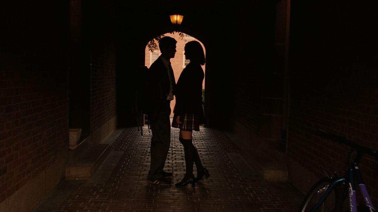Unglücklicherweise haben Owen (Julian Morris, l.) und Dodger (Lindy Booth, r.) eine Idee, die einem Serienkiller Tür und Tor öffnet ... - Bildquelle: Square One Entertainment