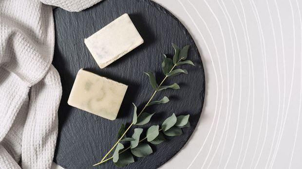 Kernseife, festes Duschgel und nachhaltiges Shampoo – wir haben die besten Ti...