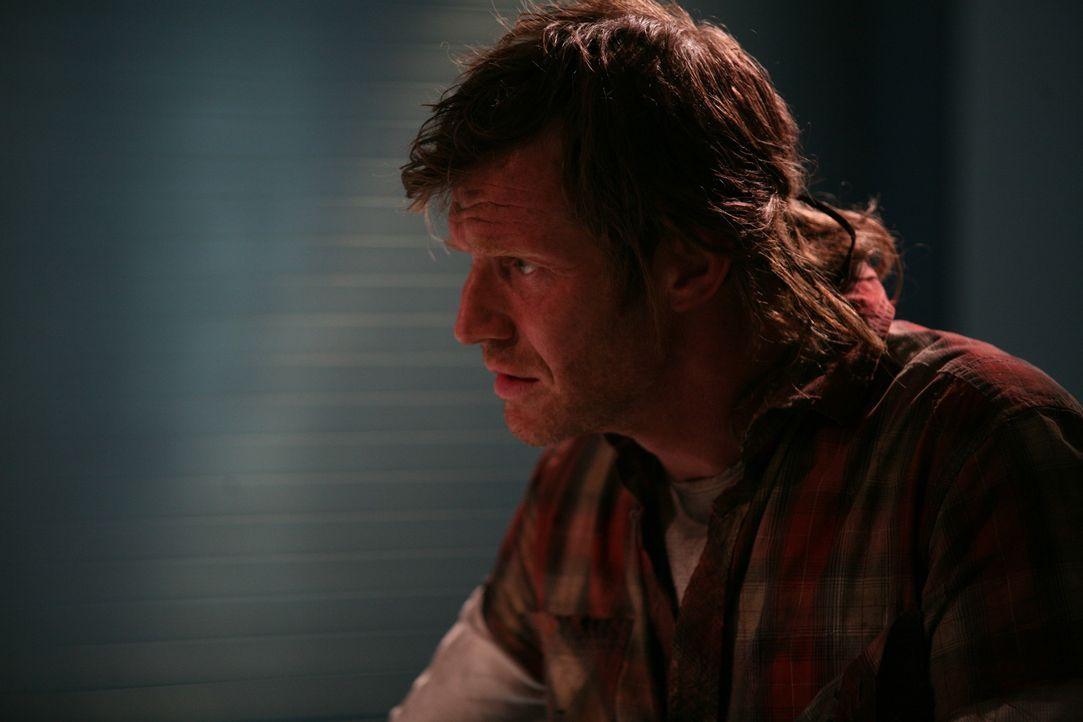 Taucht plötzlich wieder in der Gegenwart auf: Danny (Jason Flemyng) ... - Bildquelle: ITV Plc