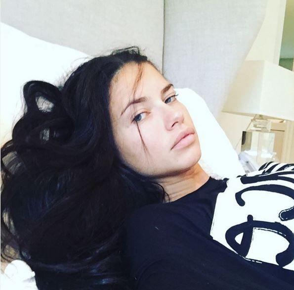 Adriana Lima ungeschminkt - Bildquelle: Instagram