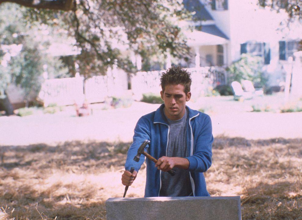 Gegen den Willen seines Vaters nimmt Farmersohn Billy Thompson (Eric Szmanda) an einem DJ-Contest in Los Angeles teil. Schon in der Vorentscheidung... - Bildquelle: Mistral Pictures, LLC