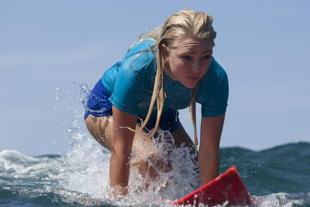 Ihr größter Traum ist es, Profisurferin zu werden. Doch eine Hai-Attacke ändert plötzlich alles: Bethany Hamilton (Anna Sophia Robb) ... - Bildquelle: Mario Perez, Noah Hamilton Tristar Pictures, Inc., FilmDistrict Distribution, LLC. and Enticing Entertainment, LLC.  All rights reserved