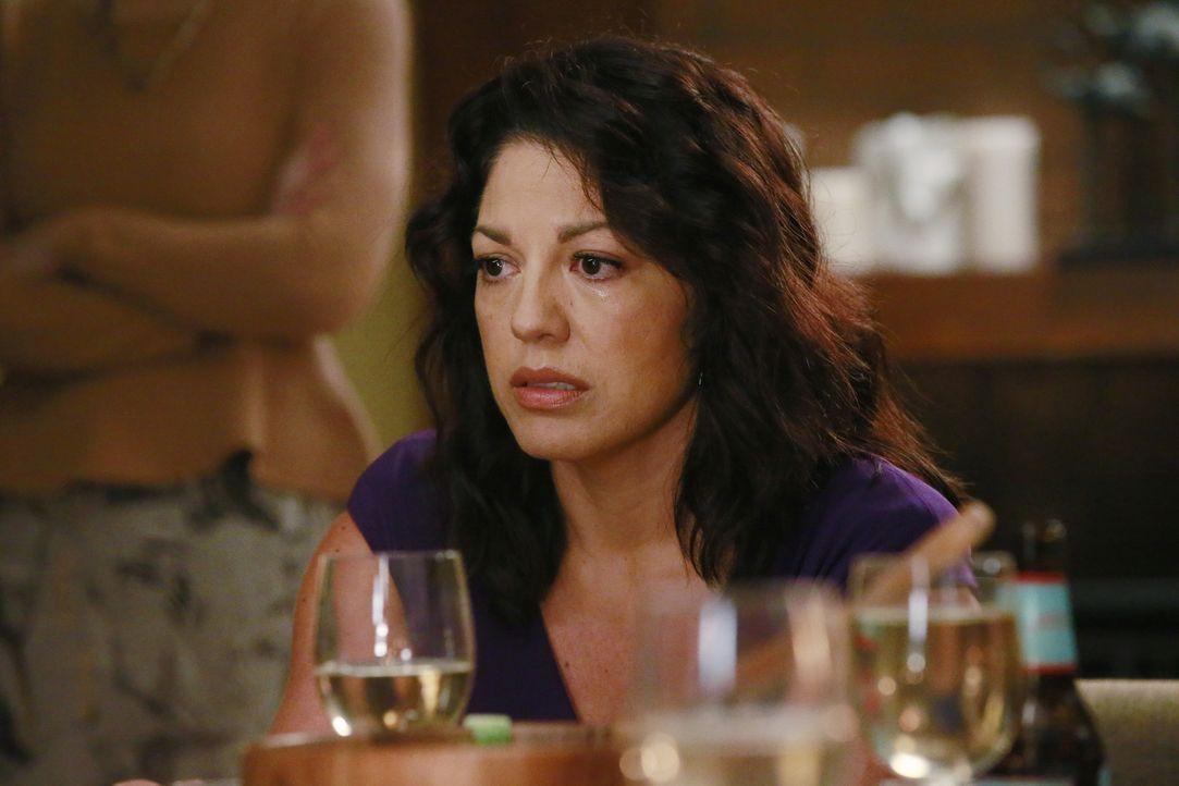 Als Callie (Sara Ramirez) mit ihrer neuen Freundin auf der Dinerparty von Meredith, Amelia und Maggie auftaucht, läuft alles aus dem Ruder ... - Bildquelle: Mitchell Haaseth ABC Studios