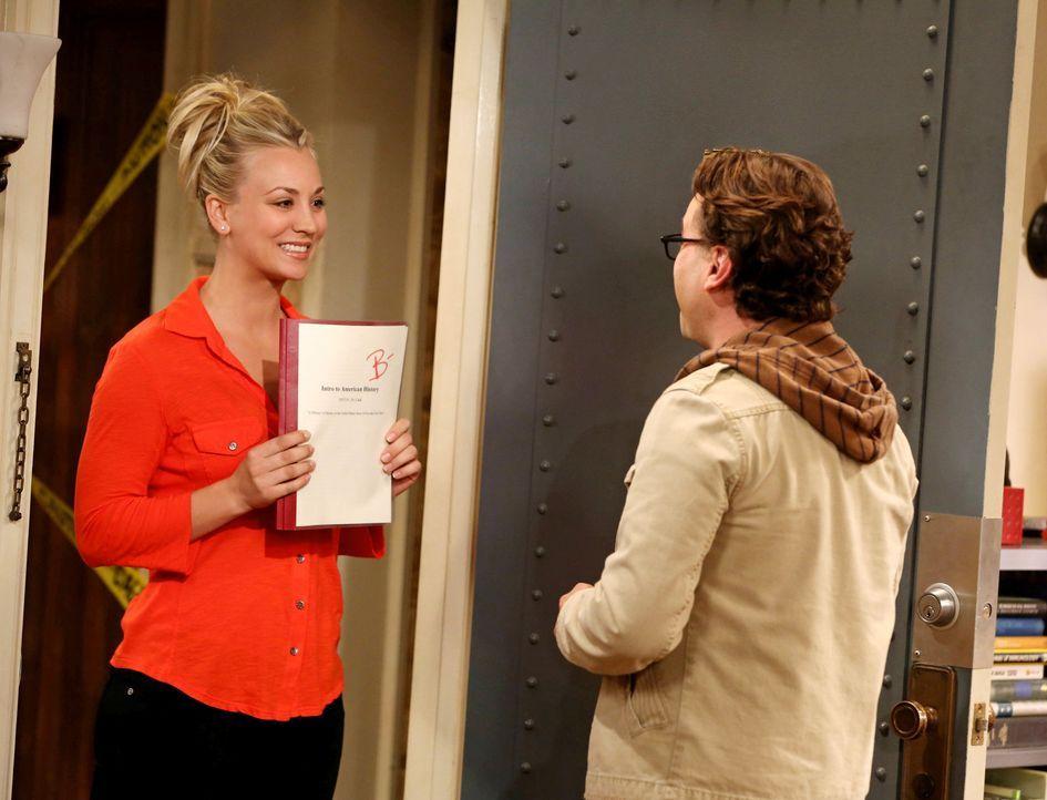 Penny (Kaley Cuoco, l.) hat eine Überraschung für Leonard (Johnny Galecki, r.). Doch noch ahnt sie nicht, dass sie damit einen Fehler gemacht hat ..... - Bildquelle: Warner Bros. Television
