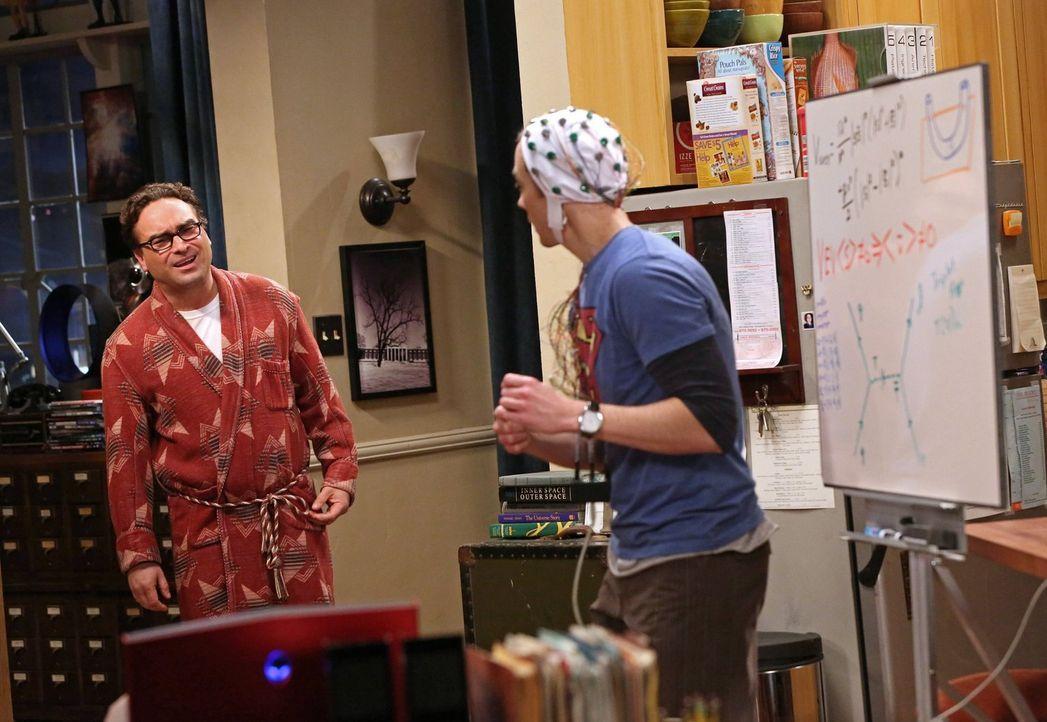 Auf Leonard (Johnny Galecki, l.) wartet eine ganz besondere Geduldsprobe von Sheldon (Jim Parsons, r.) ... - Bildquelle: Warner Bros. Television