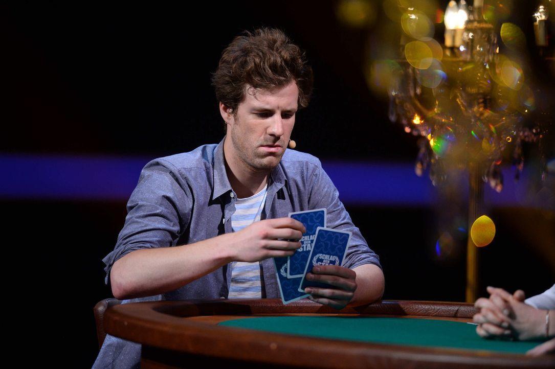Hat der Comedian Luke Mockridge auch ein gutes Händchen für Kartenspiele? - Bildquelle: Willi Weber ProSieben