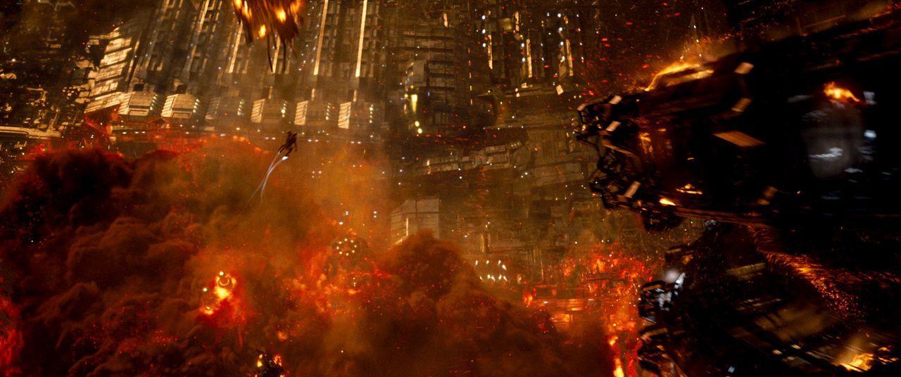 Jupiter-Ascending-24-Warner-Bros-Entertainment-Inc - Bildquelle: 2014 Warner Bros. Entertainment Inc