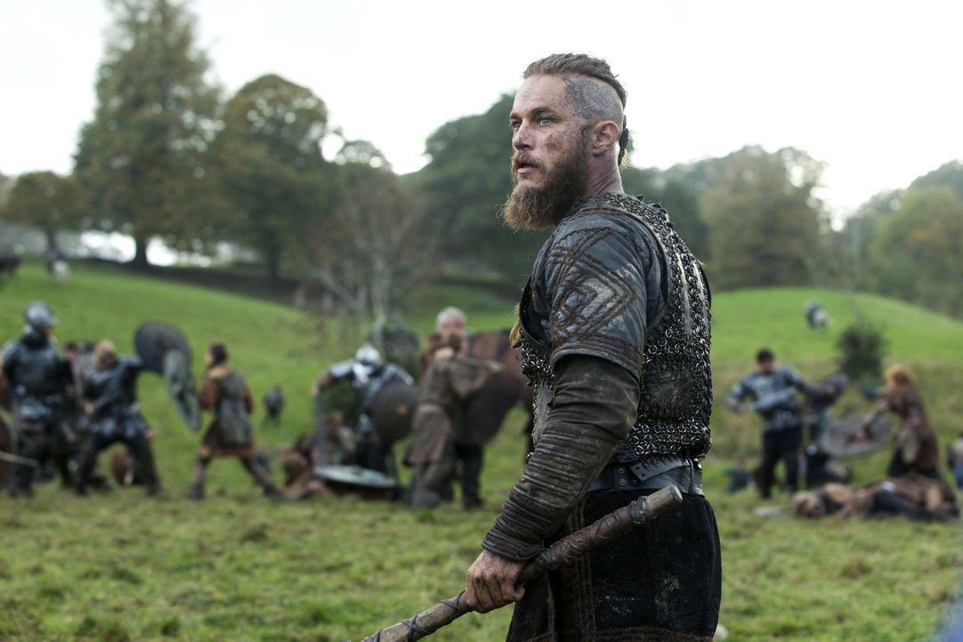 König Ecbert schwört Rache, nachdem Ragnar (Travis Fimmel) und seine Krieger seine Eskorte kaltblütig niedergemetzelt hat ... - Bildquelle: 2014 TM TELEVISION PRODUCTIONS LIMITED/T5 VIKINGS PRODUCTIONS INC. ALL RIGHTS RESERVED.