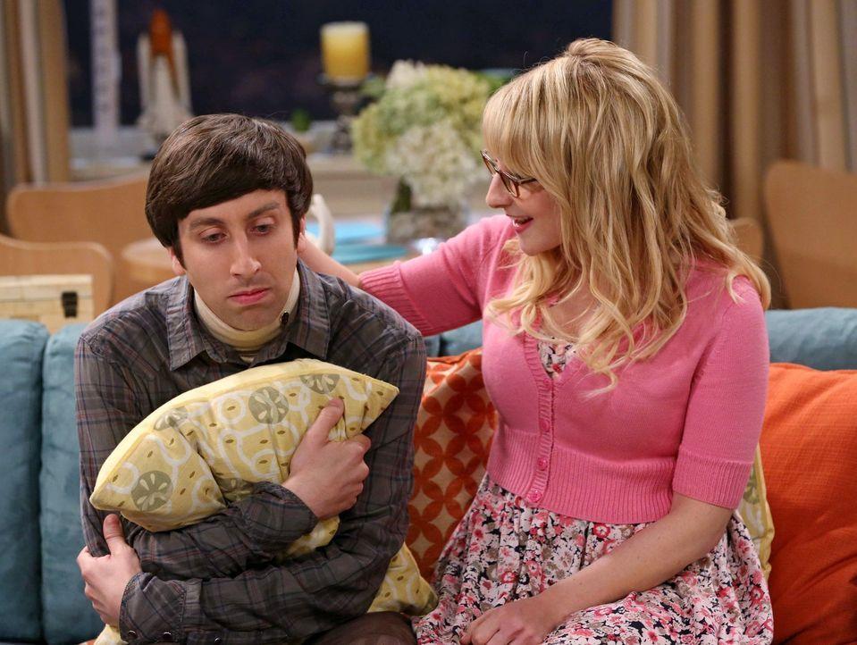 Bernadette (Melissa Rauch, r.) muss sich um Howard (Simon Helberg, l.) kümmern, denn seine Beziehung zu seiner Mutter bedroht auf unübliche Weise se... - Bildquelle: Warner Bros. Television