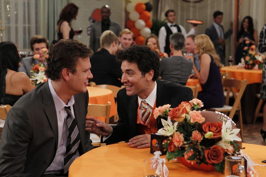 Erinnerungen an die schlimmste Hochzeit, auf der sie je waren: Marshall (Jason Segel, l.) und Ted (Josh Radnor, r.) ... - Bildquelle: 20th Century Fox International Television