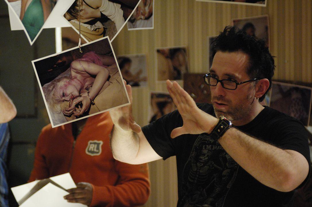 Regisseur Darren Lynn Bousman gibt letzte Anweisungen ... - Bildquelle: 2007 Lionsgate, Twisted Pictures