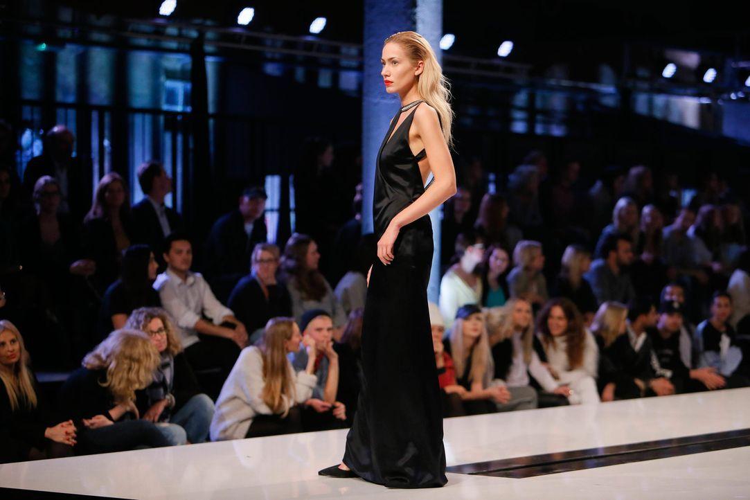 GNTM-Stf11-Epi01-erste-fashion-show-11-ProSieben-Huebner - Bildquelle: ProSieben/Richard Huebner