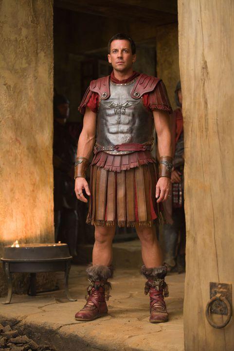 Ahnt nicht, dass er von seiner Frau gewaltig gelinkt wird: Praetor Gaius Claudius Glaber (Craig Parker) ... - Bildquelle: 2011 Starz Entertainment, LLC. All rights reserved.