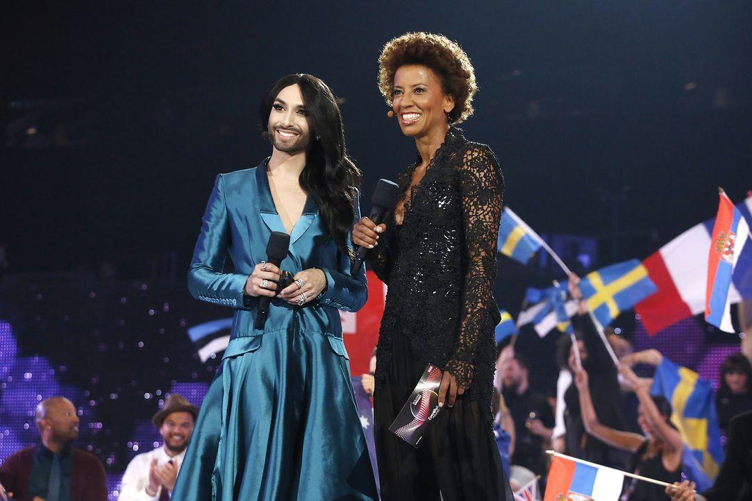 European-Song-Contest-ESC-Conchita-Wurst-Arabella-Kiesbauer-150523-AFP - Bildquelle: AFP