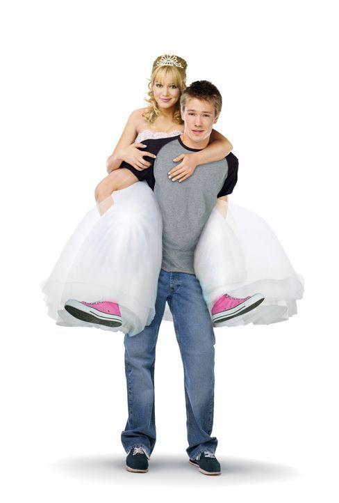 Austin Ames (Chad Michael Murray, l.) und Sam (Hilary Duff, r.) erleben eine märchenhafte Liebesgeschichte … - Bildquelle: Warner Bros.