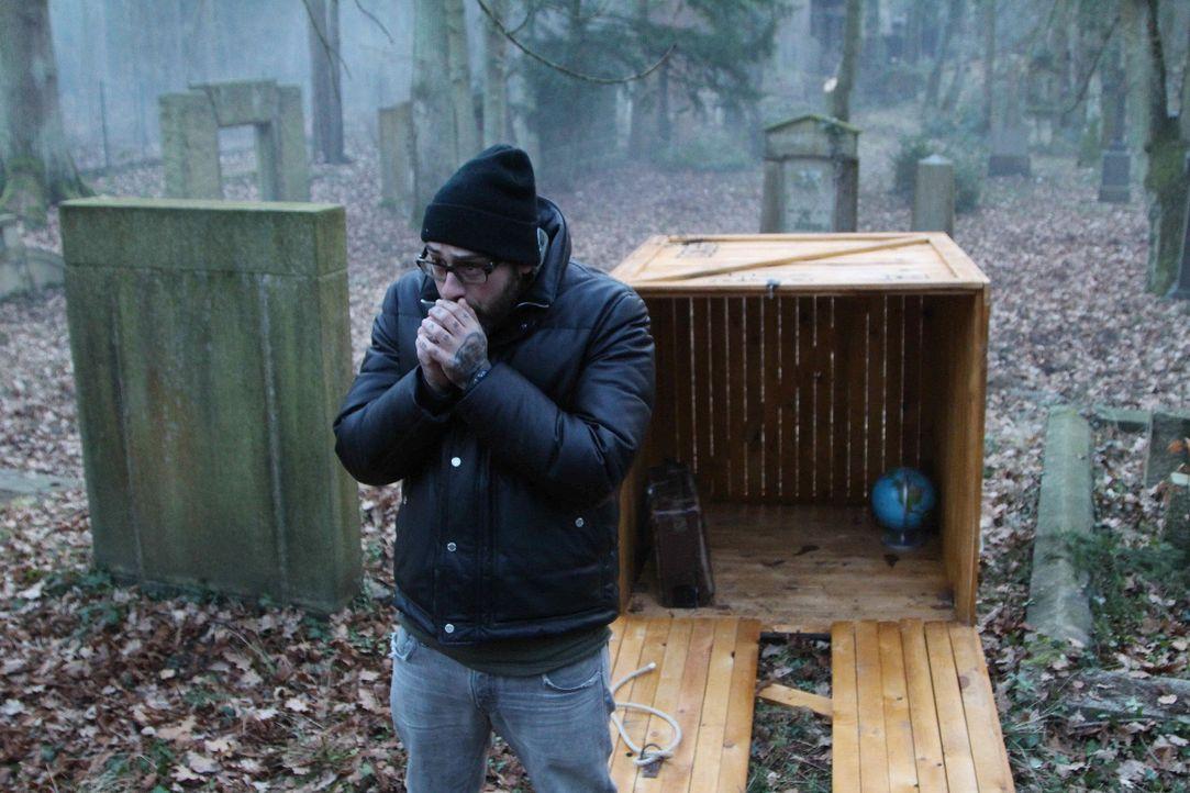 In eine Holzkiste gesperrt, wurde Sido an einen außergewöhnlichen Ort verfrachtet. Dort muss er sich nun beweisen ... - Bildquelle: ProSieben