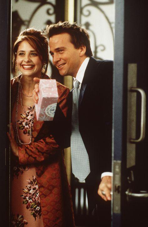 Dank himmlischer Fügung fällt Amanda (Sarah Michelle Gellar, l.) nicht nur ein besonderer Hummer, sondern auch Tom (Sean Patrick Flanery, r.) in d... - Bildquelle: 20th Century Fox