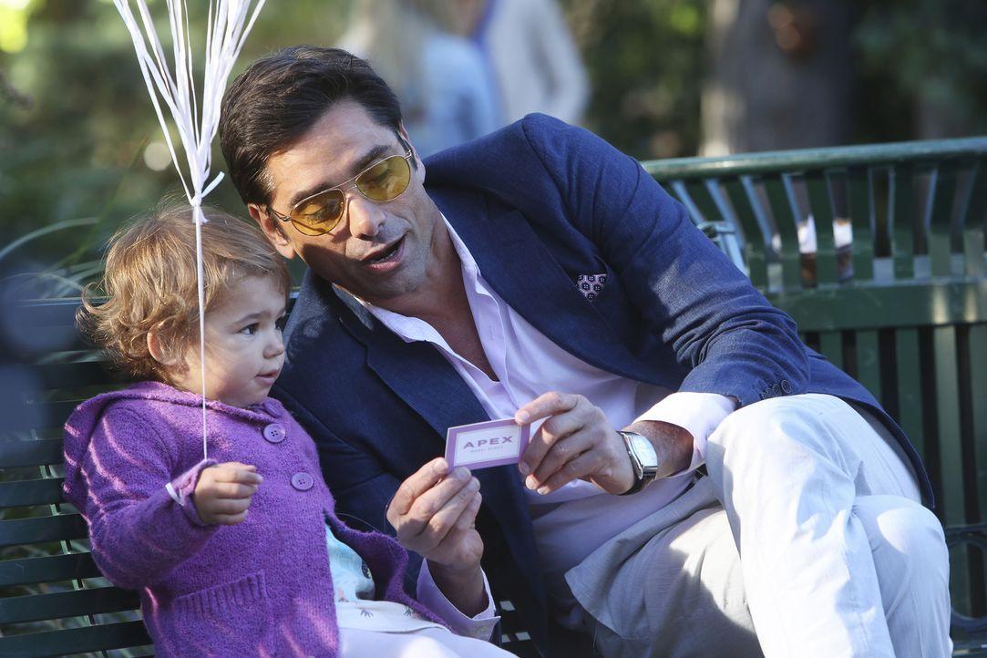 Eine Babymodel-Agentin lädt die kleine Edie zu einem Casting für eine Babynahrungskampagne ein. Da Gerald und Sara jedoch nicht wollen, dass Edie Mo... - Bildquelle: Jordin Althaus 2016 ABC Studios. All rights reserved.
