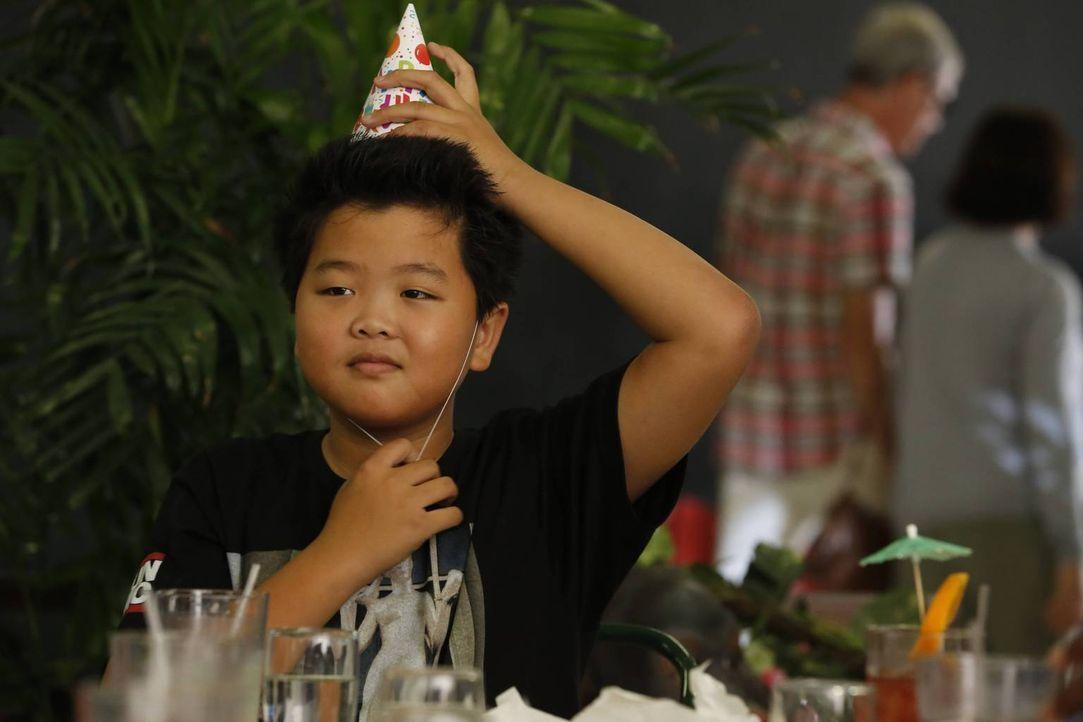 Es ist Eddies (Hudson Yang) 12. Geburtstag, doch anstatt mit seiner Familie zu feiern, plant er den Tag mit seinen Freunden im Einkaufszentrum zu ve... - Bildquelle: 2015-2016 American Broadcasting Companies. All rights reserved.