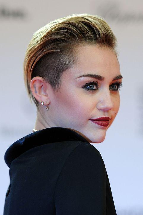 Miley-Cyrus-13-11-14-dpa - Bildquelle: dpa