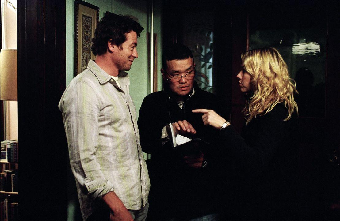 Bei den Dreharbeiten: (v.l.n.r.): Simon Baker, Hideo Nakata, Naomi Watts ... - Bildquelle: DreamWorks SKG