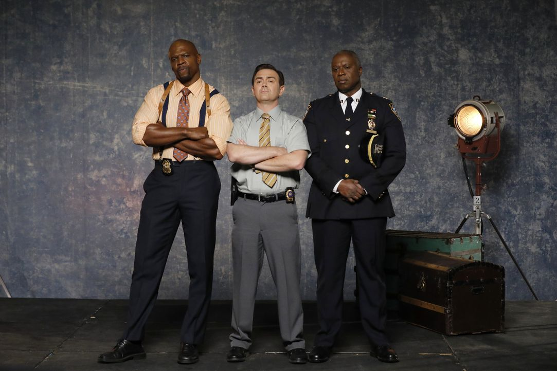 (6. Staffel) - (v.l.n.r.) Terry Jeffords (Terry Crews); Charles Boyle (Joe Lo Truglio); Captain Ray Holt (André Braugher) - Bildquelle: Trae Patton 2019 UNIVERSAL TELEVISION LLC. All rights reserved. / Trae Patton