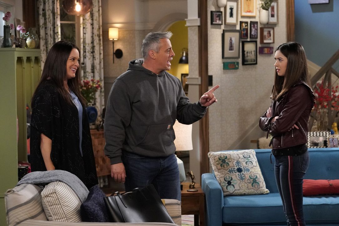 (v.l.n.r.) Andi Burns (Liza Snyder); Adam Burns (Matt LeBlanc); Kate Burns (Grace Kaufman) - Bildquelle: Robert Voets 2019 CBS Broadcasting Inc. All Rights Reserved. / Robert Voets