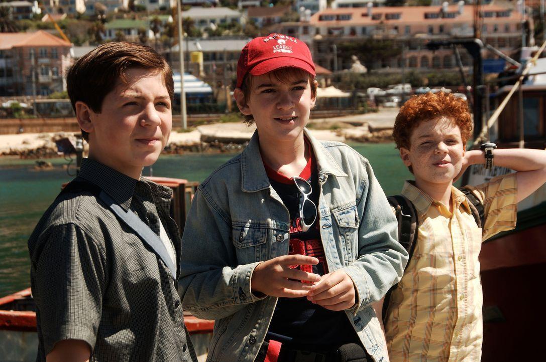 Die drei Fragezeichen Justus (Chancellor Miller, l.), Peter (Nick Price, M.) und Bob (Cameron Monaghan, r.) scheuen vor nichts zurück, um ihren Auft... - Bildquelle: Buena Vista Pictures