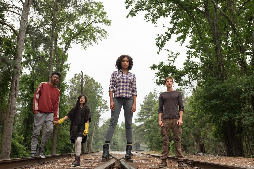 (v.l.n.r.) Chubs (Skylan Brooks); Zu (Miya Cech); Ruby Daly (Amandla Stenberg); Liam Stewart (Harris Dickinson) - Bildquelle: Daniel McFadden 2018 Twentieth Century Fox Film Corporation.  All rights reserved. / Daniel McFadden