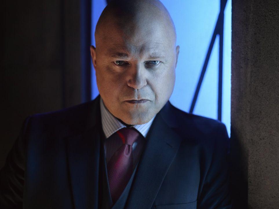 (2. Staffel) - Der Captain des Gotham City Police Departments, Nathaniel Barnes (Michael Chiklis), arbeitet eng mit Jim Gordon zusammen. Gemeinsam w... - Bildquelle: Warner Brothers