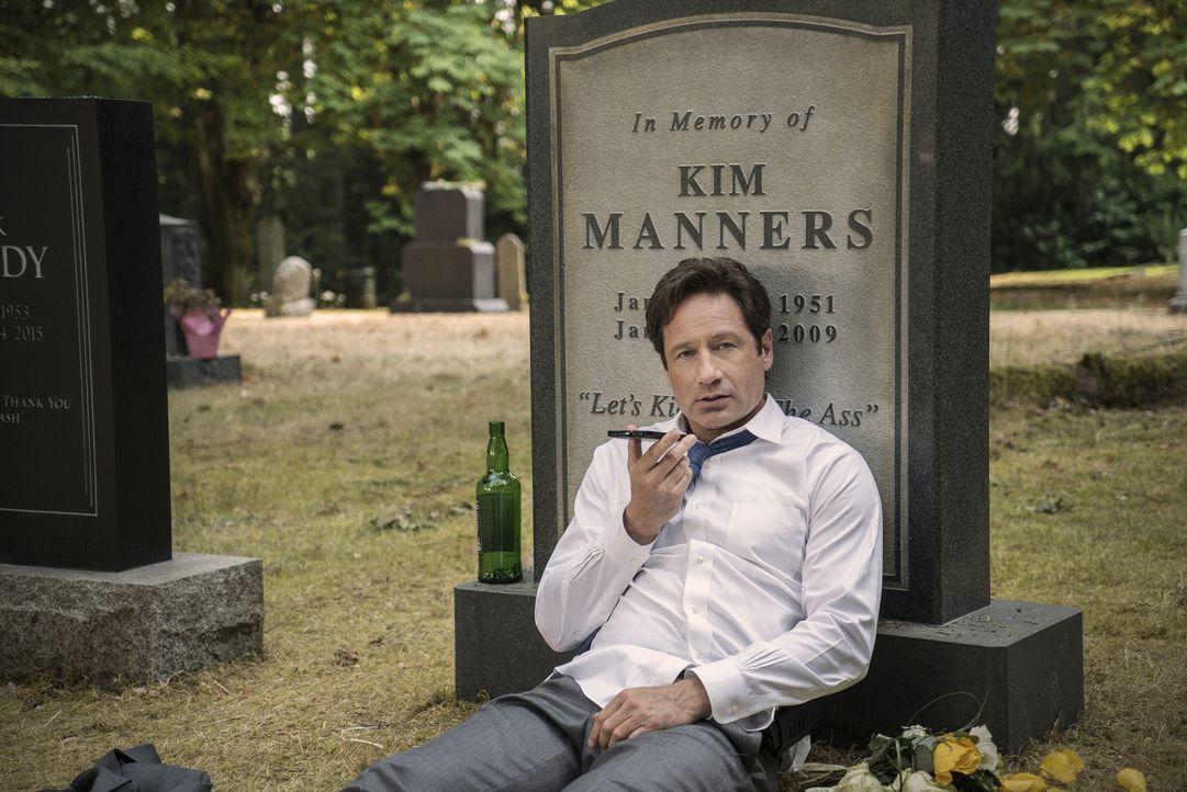 Mulder (David Duchovny) muss mit alten Dämonen kämpfen, die ihn sogar dazu bringen, alles in Frage zu stellen ... - Bildquelle: 2016 Fox and its related entities.  All rights reserved.