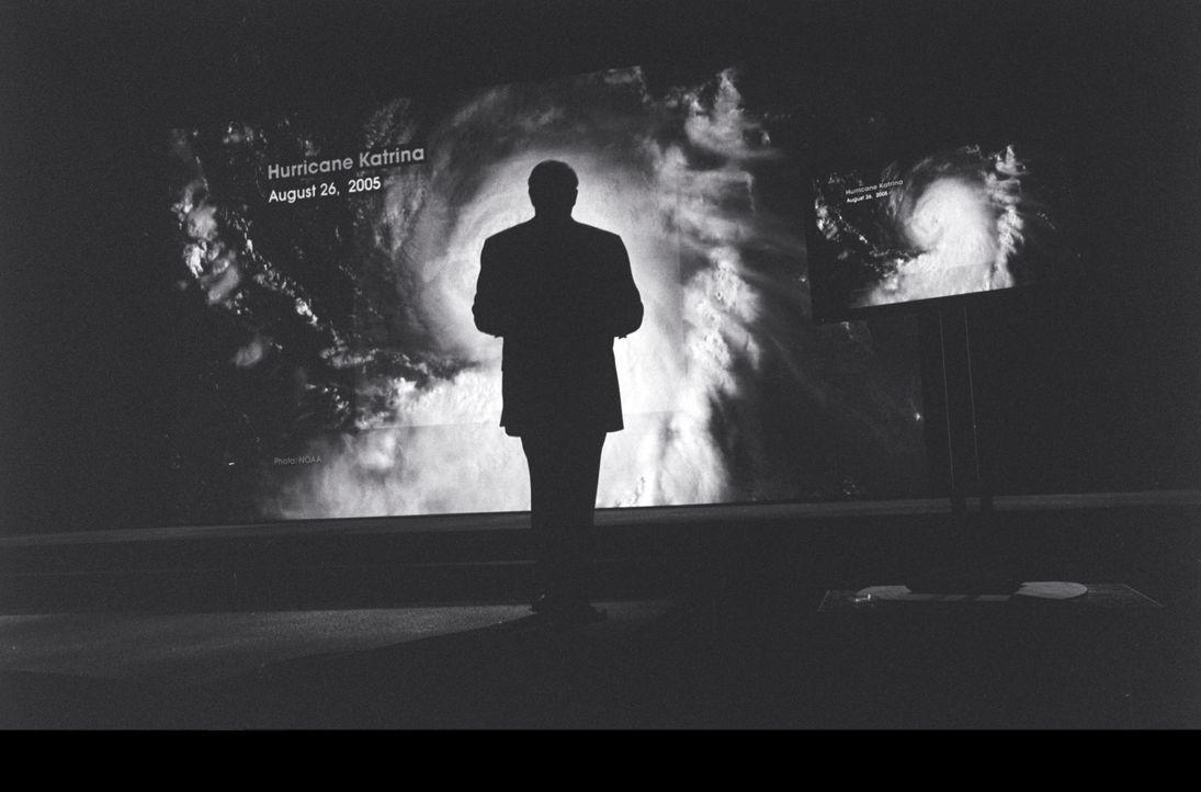 Versucht klarzulegen, was die globale Erderwärmung für uns alle bedeutet:  Al Gore ... - Bildquelle: PARAMOUNT CLASSICS A DIVISION OF PARAMOUNT PICTURES. ALL RIGHTS RESERVED.