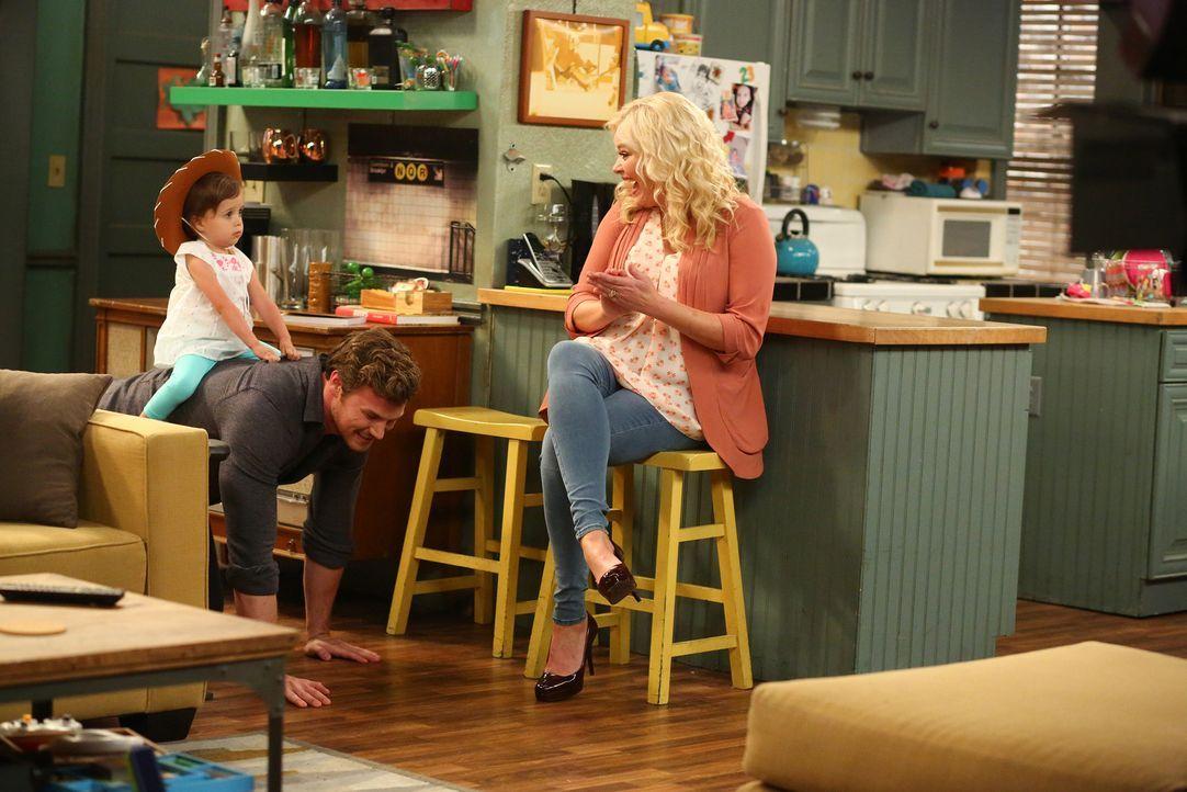 (v.l.n.r.) Emma (Kayleigh und Sura Harris); Danny (Derek Theler); Bonnie (Melissa Peterman) - Bildquelle: Michael Ansell ABC Family