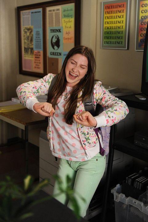 Für Sue (Eden Sher) steht viel auf dem Spiel: Sie möchte beweisen, dass sie während des gesamten Schuljahres nicht einmal gefehlt hat ... - Bildquelle: Warner Brothers