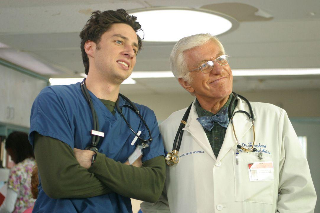 Als J.D. (Zach Braff, l.) die Gelegenheit bekommt, mit Dr. Townsend (Dick Van Dyke, r.) an einem Fall zusammenzuarbeiten, fühlt er sich mächtig ge... - Bildquelle: Touchstone Television
